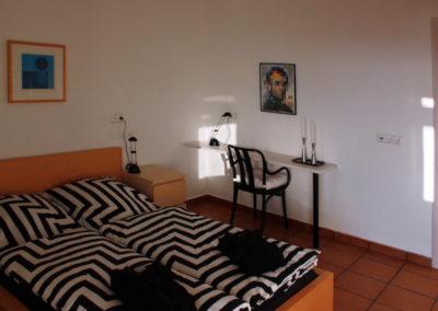 1200 Das weiße Schlafzimmer - Schlafzimmer Richtung Bad