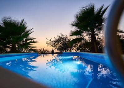 19-08-19 Casa Helena Pool bei Nacht