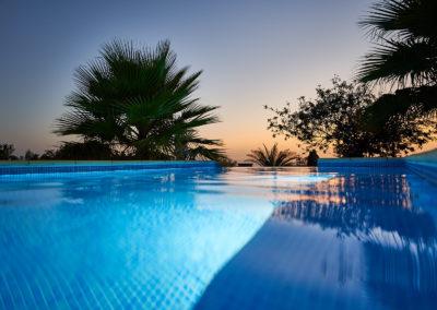 19-08-19 Casa Helena Pool bei Nacht 8